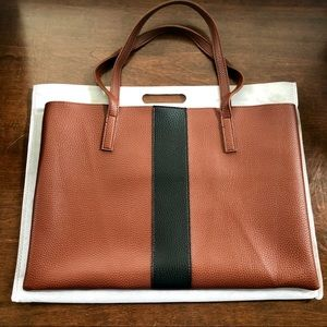 Vince Camuto Tote Bag 👜